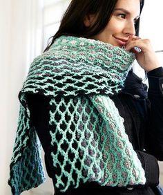 A La Mode Chic Scarf, #crochet, free pattern, shawl, maroccan tiles, #haken, gratis patroon (Engels), shawl, sjaal, stola, marokaans motief, mohair, #haakpatroon, verloopgaren