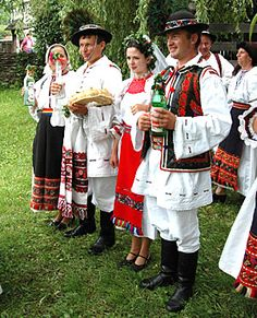 Ethnic Outfits, Ethnic Clothes, Romania People, Folk Costume, Costumes, Victor And Rolf, People Of The World, Kinds Of People, Folk Clothing