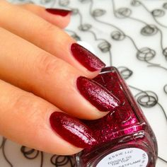 Essie Toggle to the Top, a pre-holiday deep claret with cranberry glitter. Essie Winter 2013.