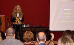"""Presentación en Andújar de """"¡Socorro!, quiero ser todas las mujeres que viven en mí"""". Presentación conferencia."""