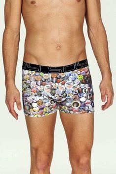 Boxer Soy Underwear con Chapas. Prenda muy informal, pensada para un regalo especial o para clientes que quieran algo diferente en su cajón de ropa interior http://www.varelaintimo.com/89-boxer-de-algodon