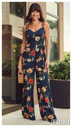 Jumpsuit Outfit Pant Jumpsuit Holiday Outfits Holiday Fashion Hijab Fashion Fashion Outfits Womens Fashion Unusual Dresses Pants For Women Holiday Fashion, Holiday Outfits, Summer Outfits, Summer Dresses, Vetements Shoes, Hijab Fashion, Fashion Dresses, Unusual Dresses, Romantic Outfit