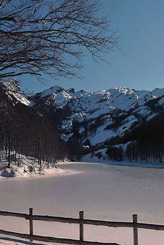 Foresta Alta Val Parma - I Lagoni Inverno sul Lago Inferiore