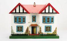 Just like mine if you add a square garage on the side Miniature Houses, Miniature Dolls, Mini Houses, Fairy Houses, Doll Houses, Childhood Toys, Childhood Memories, My Doll House, Good House