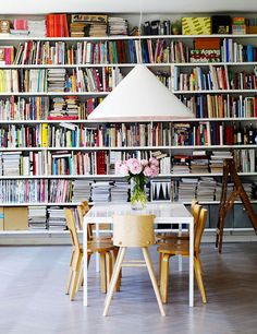 Book Shelves // desire to inspire - desiretoinspire.net - Helén Pe