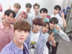 Wanna one my love❤️ One Twitter, Twitter Update, Nothing Without You, You Are My World, Jin Kim, Guan Lin, Produce 101 Season 2, Ong Seongwoo, Lee Daehwi