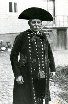 Älterer Mann aus Wiera in Schwälmer Tracht, um 1950 #Schwalm
