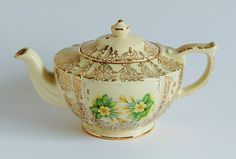 Sadler Gold with Yellow Flowers Vintage Teapot