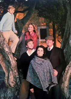 Família Real Portuguesa: Portuguese Royals 2012-l-r Dom Dinis, Dona Maria Francisco, Dom Afonso, Dona Isabel, Dom Duarte (head of the family)