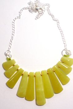 Highlighter yellow bib necklace. If only I had a skintone that yellow looked good upon! $30