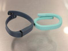 Jawbone Up VS. Fitbit Flex: Which Is The Best Fitness Band? by Kevin Smith, bustinessinsider #Tech #Actitvity_Monitor
