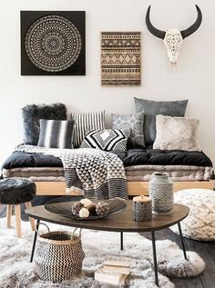 ¿Te ha gustado esta idea de decoración boho chic? En nuestro board te sorprenderás con muchas ideas de decoración de estilo boho chic de todo tipo como: estilo bohemio en tus cuartos, la cocina, el salón … - Have you seen this boho chic decoration idea? Catch numerous boho chic decoration ideas in our blog: DIY, for your home, furniture, kitchen, living room … #design #decorideas #hippie #bohodecochic