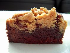 Peanut-Butter Streusel Brownies