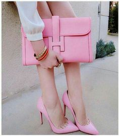Hermes pink heels and clutch combo Hermes Handbags, Luxury Handbags, Hermes Clutch, Replica Handbags, Burberry Handbags, Fashion Bags, Fashion Accessories, Womens Fashion, Luxury Lingerie