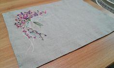 2014년 봄에  봄의 꽃잎이 흩날리는 테이블매트