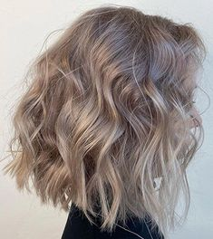 Ash Blonde Hair With Highlights, Medium Ash Blonde Hair, Ash Blonde Hair Balayage, Blonde Hair Shades, Ash Hair, Blonde Hair Looks, Brown Blonde Hair, Blonde Hair For Short Hair, Cool Toned Blonde Hair
