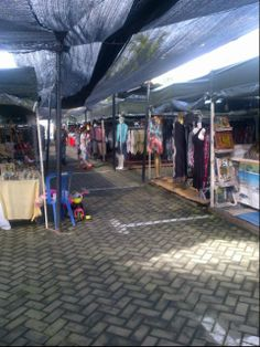 The Flea Market In Oberei, Seminyak. Best place for dresses, leather bags, shoes!