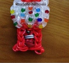 Very First ever Mini Gumball Machine Charm - rainbow loom. This lady is a genus! She is just starting to post some tutorials for her innovative creations! Rainbow Loom Patterns, Rainbow Loom Creations, Rainbow Loom Bands, Rainbow Loom Charms, Rainbow Loom Bracelets, Loom Love, Fun Loom, Rubber Band Crafts, Rubber Bands