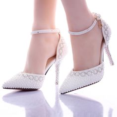 2015 nova moda cristal diamante pérola sandálias de dedo apontado sapatos de casamento branco para a noiva mulheres bombas fundos vermelhos de salto alto Hot