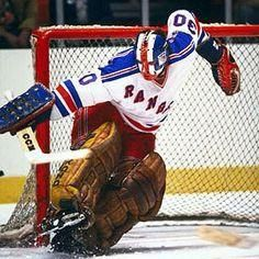 Goalie Mask - John Davidson NHL New York Rangers – Vintage Sports Items Rangers Hockey, Ice Hockey Teams, Hockey Goalie, Hockey Players, Hockey Sport, Calgary, Bernie Parent, John Davidson, Hockey Pictures