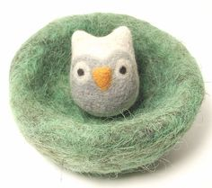 Owl in nest, natural wool toy, needle felted animal, eco friendly childs toy, felt owl - made to order Bird Crafts, Cute Crafts, Felt Crafts, Felt Owls, Felt Animals, Needle Felted Owl, Wool Felting, Owl Quilts, Owl Bags