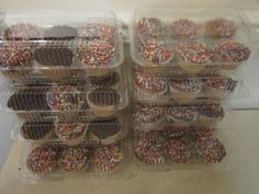 Oasis-Supply-PJP-LBH-6656-12A-6-Compartment-Cupcake-Containers-with-Hinged-Lid-a