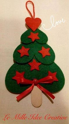 Easy and brilliant paper christmas ornaments for kids 3 - Smart Women Life Paper Christmas Ornaments, Unique Christmas Trees, Felt Christmas Decorations, Christmas Crafts For Kids, Felt Ornaments, Christmas Projects, Felt Crafts, Kids Christmas, Handmade Christmas