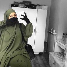 Abaya Style 51057 The image may contain: one or more people Abaya Style, Iranian Women Fashion, Islamic Fashion, Modesty Fashion, Abaya Fashion, Fashion Dresses, Beautiful Muslim Women, Beautiful Hijab, Modele Hijab
