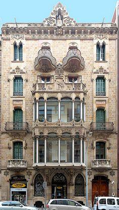 Barcelona - Casa Berenguer - Modernismo arquitectónico en la ciudad.