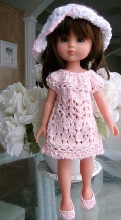 pour poupée Chérie. Pour l'adapter aux poupées Nancy, travailler aux aiguilles n°3,5 (au lieu de 3) et ajouter 1 rang de jersey.