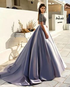 GORGEOUS GOWN FOR SEVERAL OCCASIONS