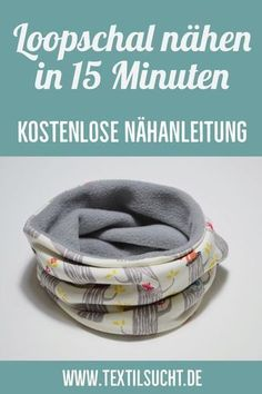 Sewing instructions: Sew loop scarf in 15 Nähanleitung: Loopschal nähen in 15 Minuten Today I& show you how you can sew a very simple loop scarf in 15 minutes. This time a children& loaf that only goes around the neck once. Baby Knitting Patterns, Sewing Patterns, Crochet Patterns, Sewing Projects For Beginners, Knitting For Beginners, Knitting Projects, Diy Projects, Sewing Hacks, Sewing Tutorials
