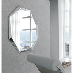 Cattelan Italia Espejo Emerald Diseño Paolo Cattelan. Original espejo de pared todo en cristal reflejado disponible en dos tamaños ideal para colocar encima de una consola.