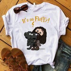 It's so fluffy! Mode Harry Potter, Harry Potter Items, Harry Potter Shirts, Harry Potter Decor, Harry Potter Style, Harry Potter Images, Harry Potter Outfits, Harry Potter World, Estilo Geek
