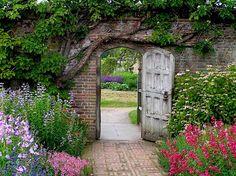 The Secret Garden Door Garden Entrance, Garden Doors, Old Garden Gates, House Entrance, Secret Garden Door, Jardin Luxuriant, English Country Gardens, Garden Cottage, Cottage Door