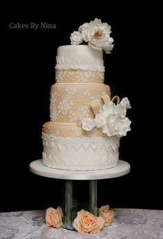 Romantic Crush - by cakesbynina @ CakesDecor.com - cake decorating website