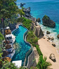 AYANA Resort and Spa Bali Jimbaran, Indonesien Beach Beachfront Eleganter Luxus . Jimbaran Bali, Bali Resort, Resort Spa, Dive Resort, Vacation Destinations, Dream Vacations, Vacation Spots, Vacation Club, Places Around The World