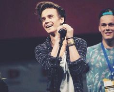 so jealous of people that got to see joe sugg in the flesh at vidcon this year!:-( i so badly want to go and meet him💗 Joe Sugg, British Youtubers, Best Youtubers, Buttercream Squad, Sugg Life, Jack Maynard, Caspar Lee, Tyler Oakley, Zoella
