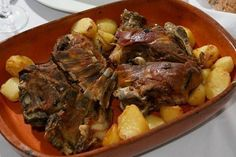 Scrumptious Baked Chicken and Potatoes - Printer Friendly Baked Chicken And Potato Recipe, Roasted Chicken And Potatoes, Boiled Chicken, Potato Recipes, New Recipes, Chicken Recipes, Portuguese Recipes, Portuguese Food, Recipe Directions