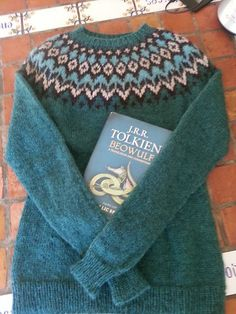 Ravelry: Project Gallery for Riddari pattern by Védís Jónsdóttir Fair Isle Knitting Patterns, Fair Isle Pattern, Knitting Yarn, Hand Knitting, Icelandic Sweaters, Cute Fall Outfits, Knitting Projects, Stitch Patterns, Knitwear