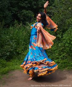 Romani Gypsy Traditions | Gypsy Dance by Olga Azarova