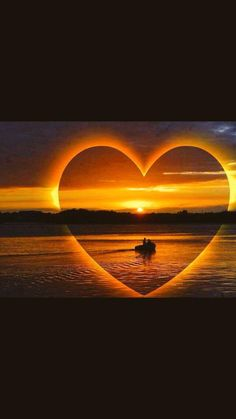 free online photo editor - free photo effects online editor Cool Pictures, Beautiful Pictures, Heart In Nature, A Course In Miracles, I Love Heart, Jolie Photo, Beautiful Sunset, Simply Beautiful, Dawn