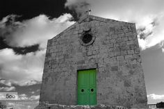 Before the rain - Pinned by Mak Khalaf Before the rain City and Architecture architectureblackchapelcloudscrossdarkgreenlightredskysuntravelwhite by Rillu