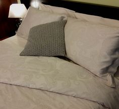 Duvet Cover 300 Thread Count Paisley Design, available at plumesilk.com #beddingsets #bedlinen #luxurybedding modern bedroom, bedroom decoration, duvet cover | More at www.plumesilk.com