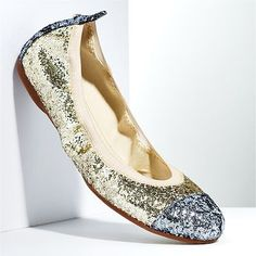 Vera Wang flats. Have these :D