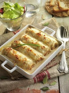 CANELONES DE POLLO Y PATÉ. Vegan Breakfast Recipes, Vegan Recipes Easy, Italian Recipes, Cooking Recipes, Chicken Salad Recipes, Food Inspiration, Food To Make, Food Porn, Easy Meals
