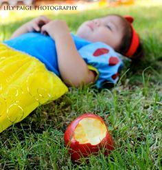 Snow White princess photo shoot. Halloween.