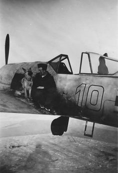 Focke-Wulf white 10 of 51 pilot Otto Gaiser, Smolensk February 1943 Fighter Pilot, Fighter Aircraft, Fighter Jets, Ww2 Pictures, Cool Pictures, Focke Wulf 190, German Submarines, German Soldiers Ww2, History Online