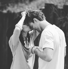 Uploaded by Sarah. Find images and videos about couple, uomini e donne and giulia delellis on We Heart It - the app to get lost in what you love. Funny Couples, Cute Couples Goals, Couples In Love, Romantic Couples, Cute Couple Pictures, Love Couple, Couple Goals, Couple Photos, Couple Ideas