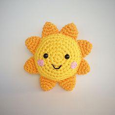 Sol Amigurumi - free crochet pattern in English and Portuguese by Vanessa Doncatto - Yarn Handmade.